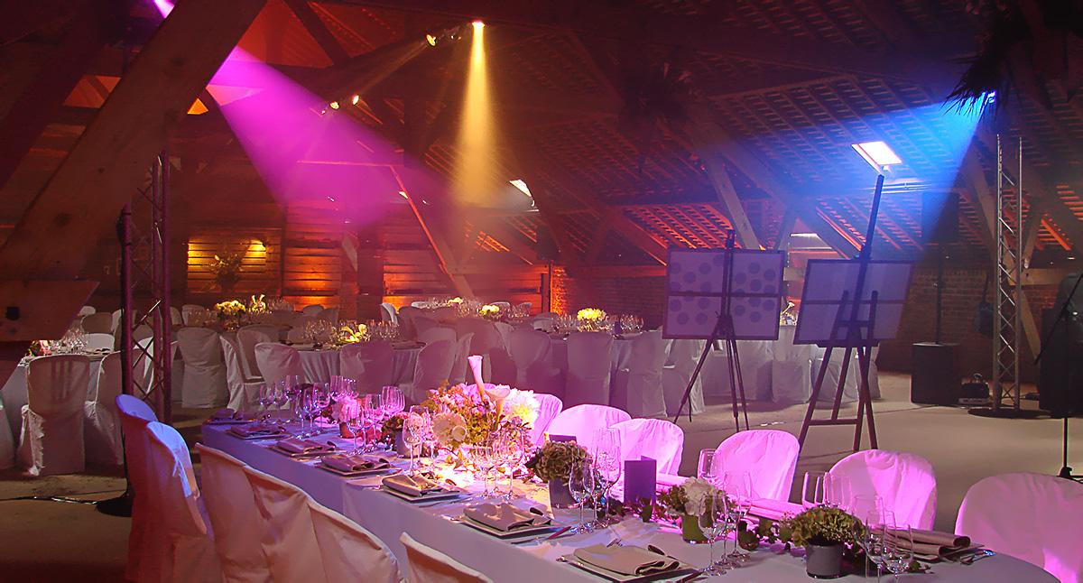 Eclairage d'ambiance et piste de danse dans un grenier à Roye