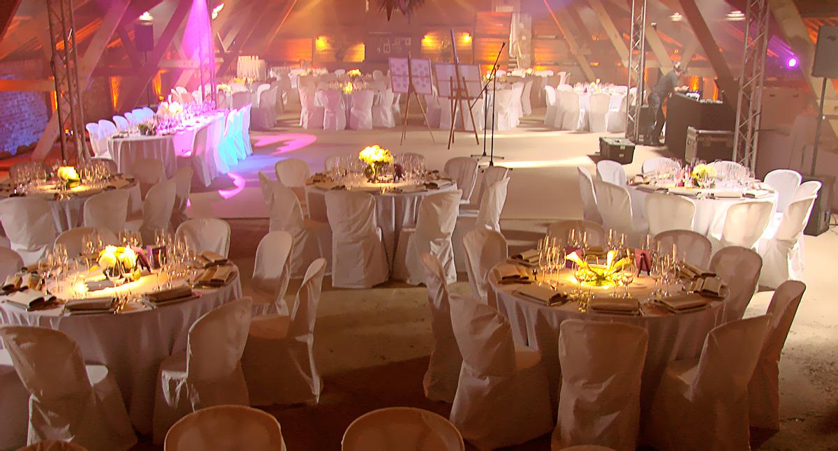 Eclairage d'ambiance et centre de table dans un grenier à Roye