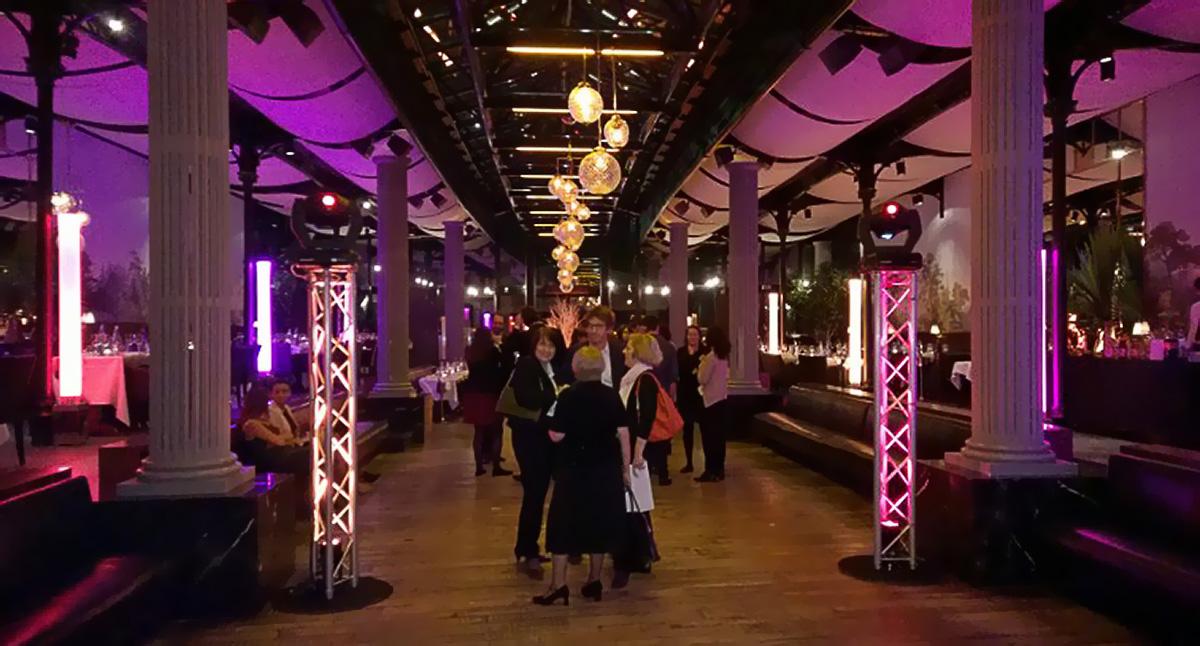 Soirée pink à la Gare avec éclairage piste de danse et licialeds