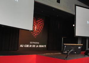 Double vidéo-projection, extension de la scène et écran de retour pour la conférence Sephora