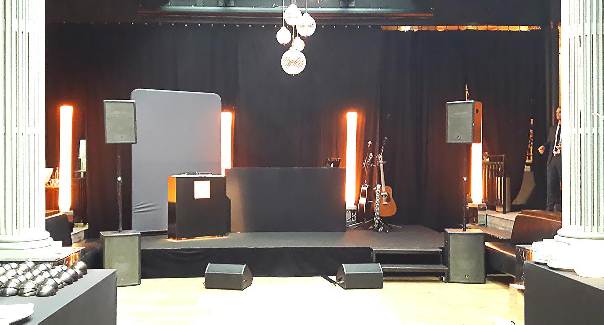Scène pour la prestation Orange